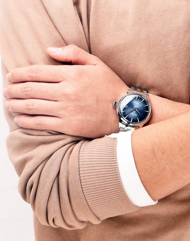 The blue Seiko will set off the men wearers very gentle and charming.