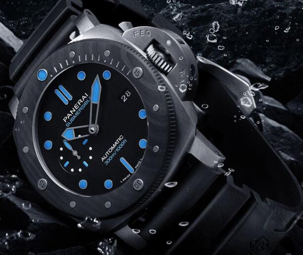 Hot-selling imitation watches forever present charming blue color.