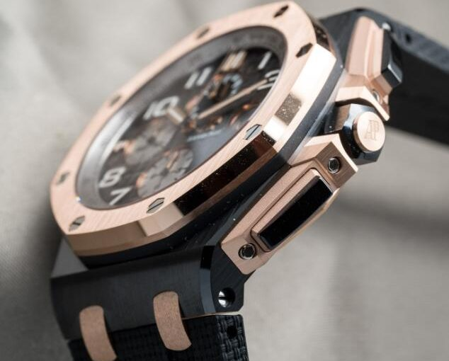 The UK Perfect Audemars Piguet Royal Oak Offshore replica watches on the wrist
